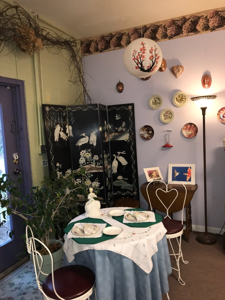 The Kindred Spirit and Green Gables Tea Room: 937 Harkers Island Rd, Beaufort, NC