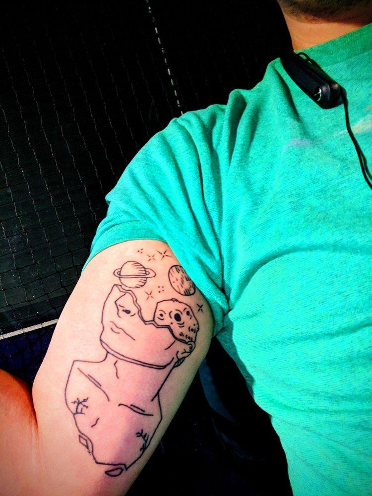 Gary's Professional Tattooing Studio: 238 N Main St, Galena, IL