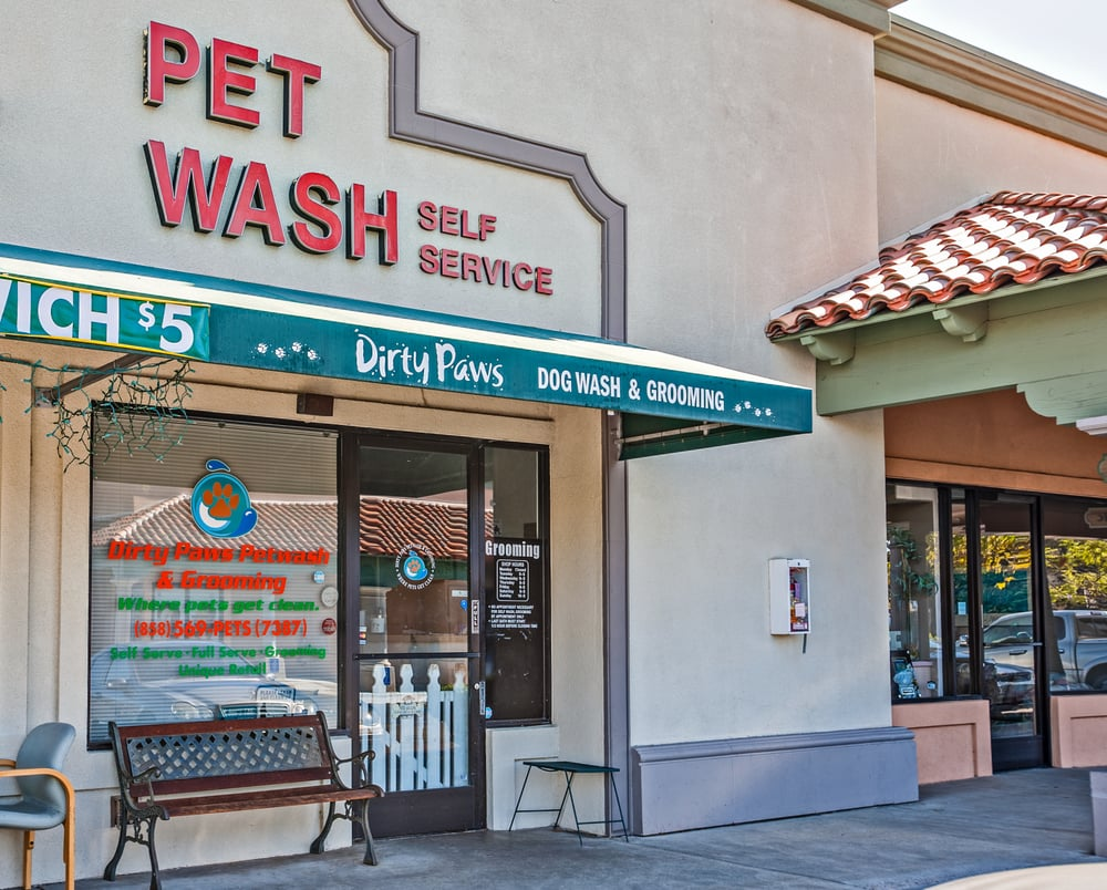 Dirty Paws Pet Wash