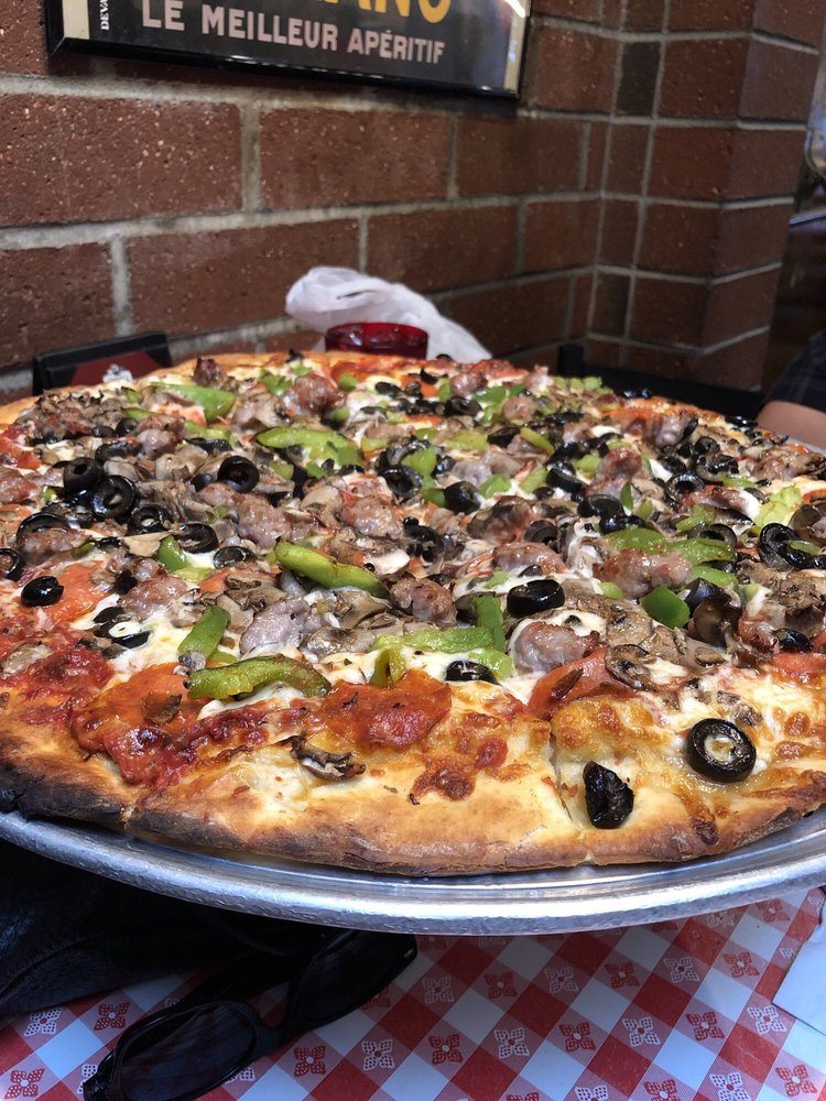 Peachy Giannis Pizza 674 Photos 1155 Reviews Italian 725 Home Interior And Landscaping Ymoonbapapsignezvosmurscom