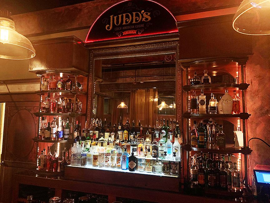 Judd's Bar & Restaurant: 92 Race St, Holyoke, MA