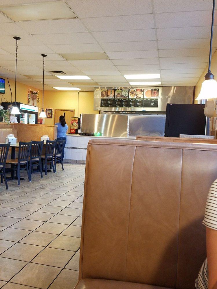 Taqueria Rosario's Foods: 301 Cattleman's Dr, Lexington, NE