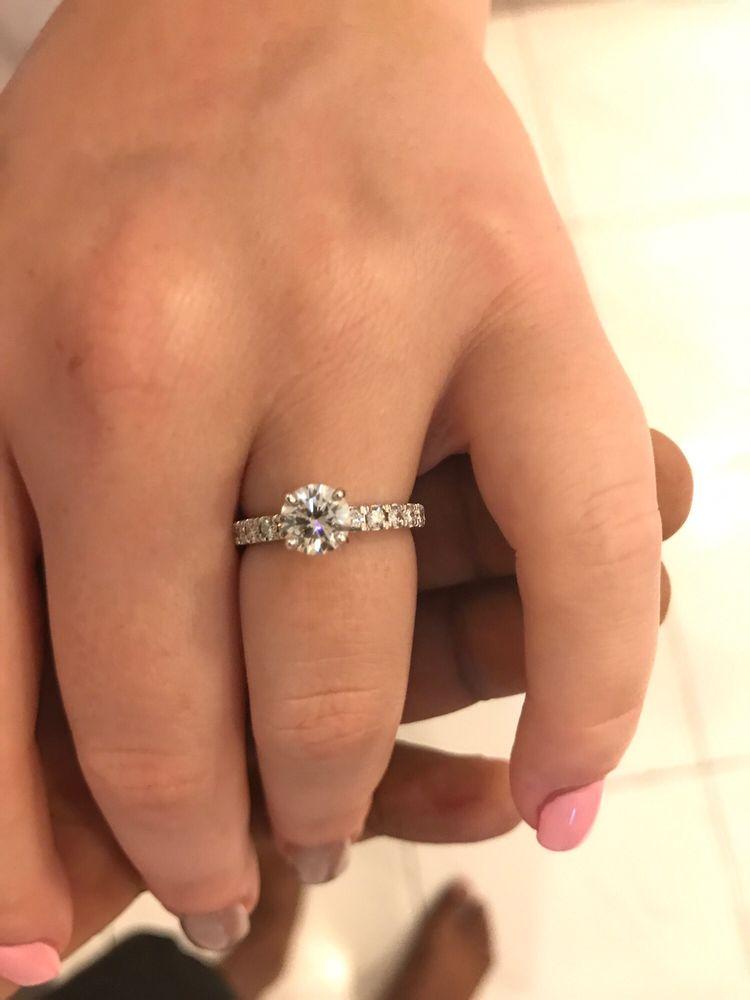 Valle Jewelers: 21 Jackson St, Batavia, NY