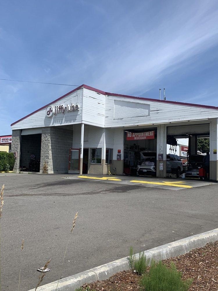 Jiffy Lube: 17642 108th Avenue NE, Renton, WA