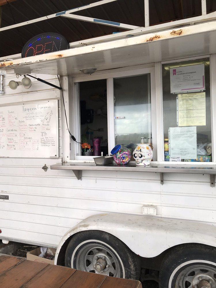 Hermanos Taqueria & Bakery: 13627 FM1854, Dale, TX