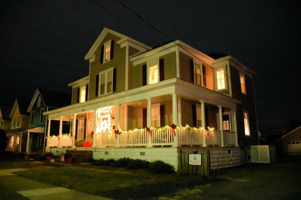 Alyssa House Bed and Breakfast: 530 Randolph Ave, Cape Charles, VA