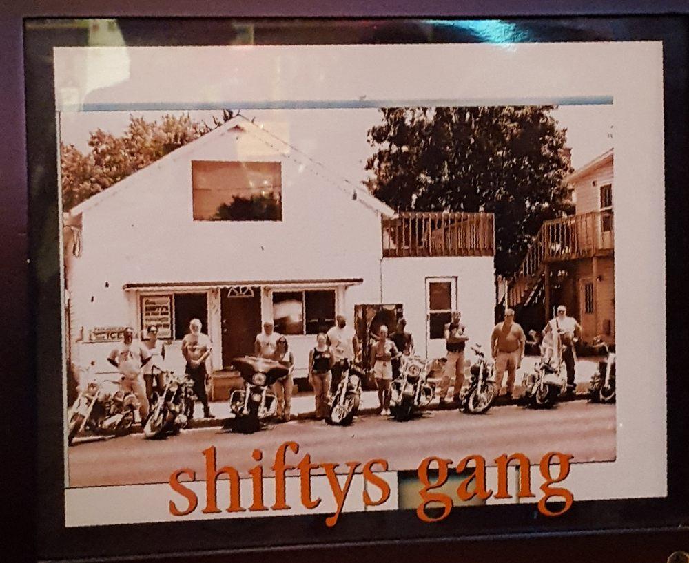 Shifty's: 122 S Washington St, Circleville, OH