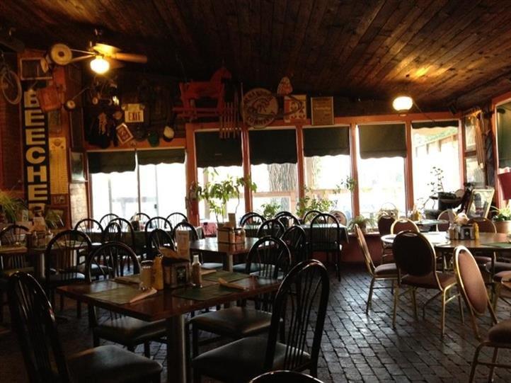 Depot Restaurant & Lounge: 101 N Railroad St, Shenandoah, IA