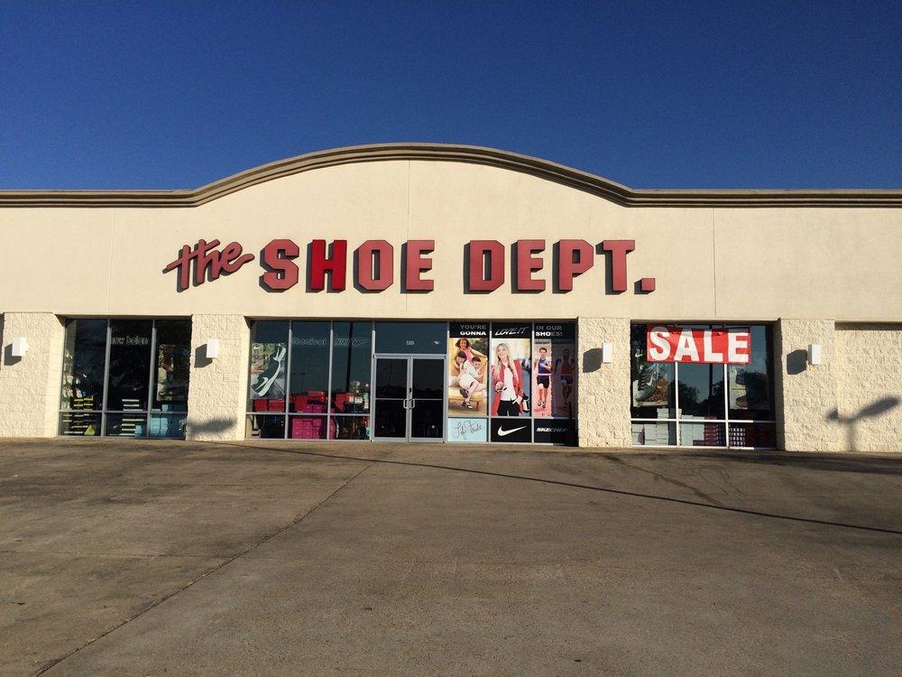 Shoe Dept: 400 Main St, Philadelphia, MS