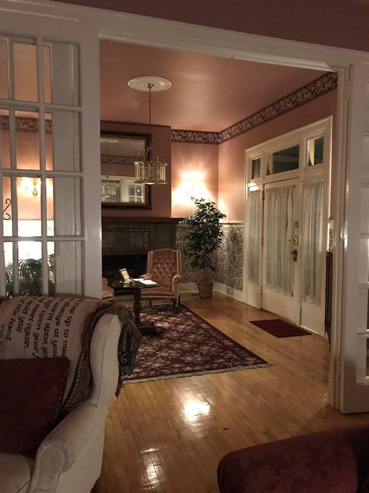 Hinson House Bed & Breakfast: 4338 Lafayette St, Marianna, FL