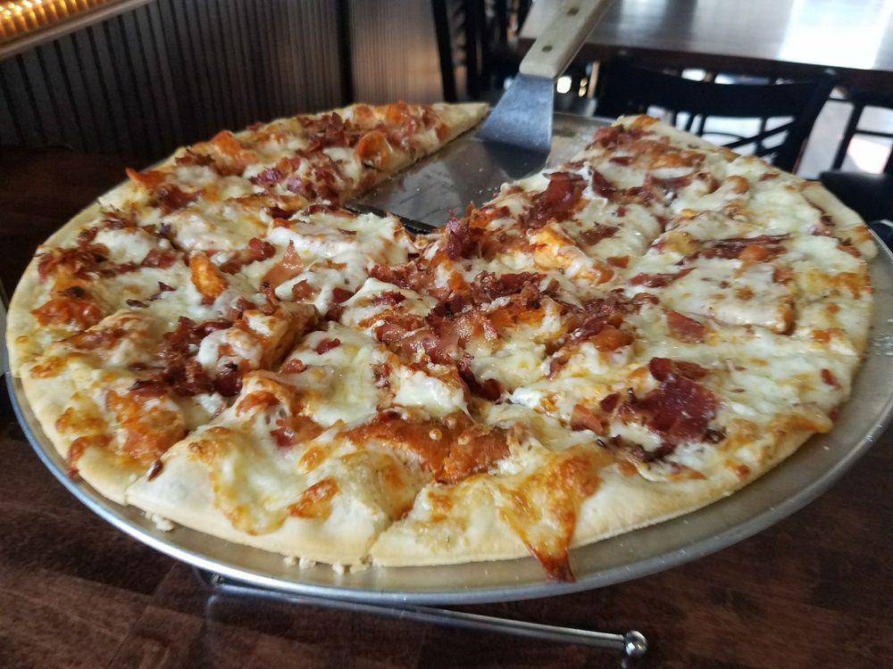 The County Seat Pub & Pizzeria: 801 Liberty St, Morris, IL