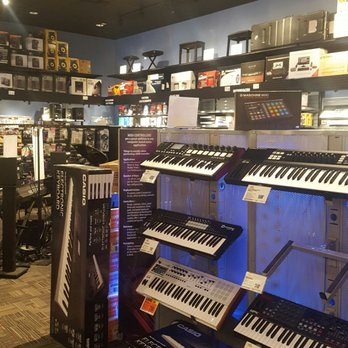 guitar center 22 reviews guitar stores 195 yale st the heights houston tx united. Black Bedroom Furniture Sets. Home Design Ideas