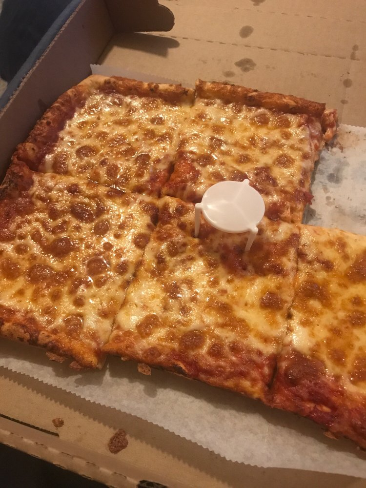 Gino Giannilli's Homestyle Pizza Palace: 200 Thompson St, Latrobe, PA
