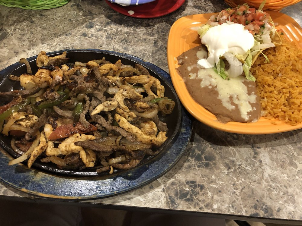 El Agave Mexican Grill: 650 Park Plz Dr, New Albany, MS