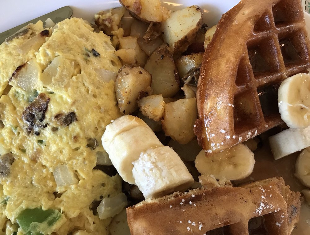 Augie's Omelette & Waffle House: 709 E 9th St, Ocean City, NJ