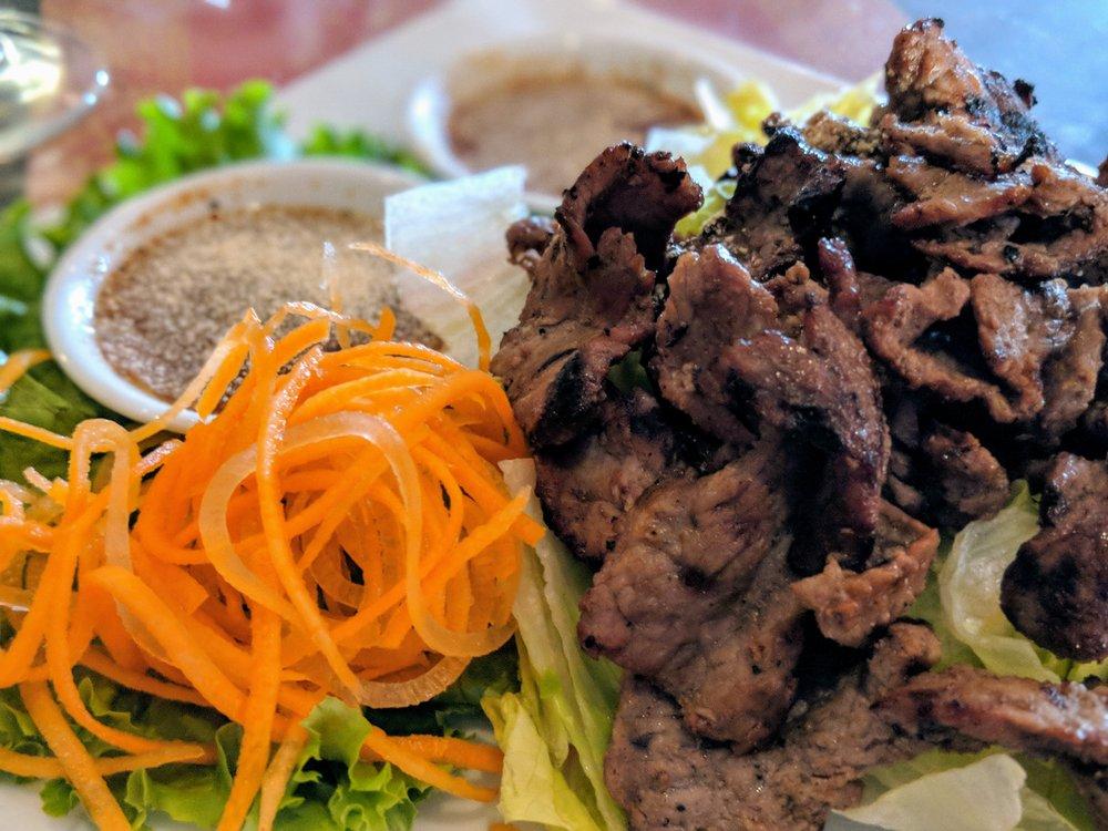 Manee Thai Restaurant: 481 Lafayette Ctr, Ballwin, MO