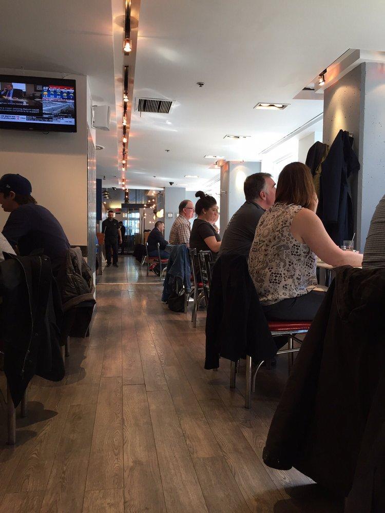Frans Restaurant  Yonge Street Toronto On