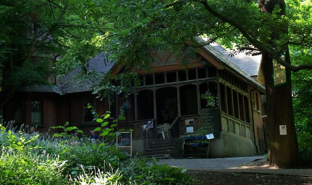 Queen's Wood Café
