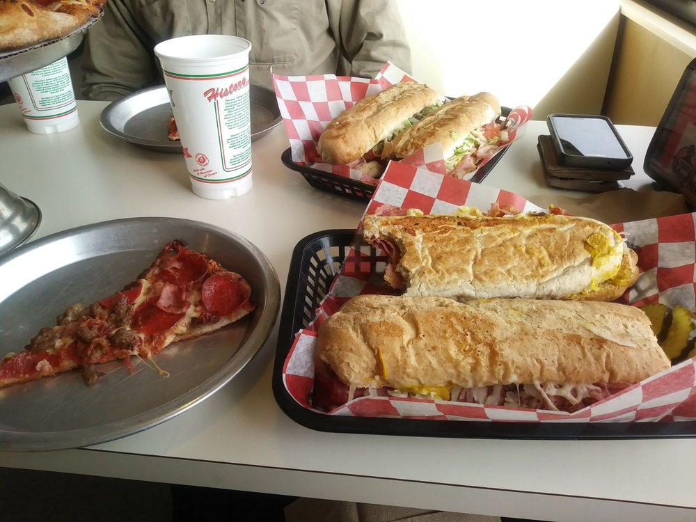 Mancino's Pizza & Grinders: 4639 Lake Michigan Dr, Allendale, MI