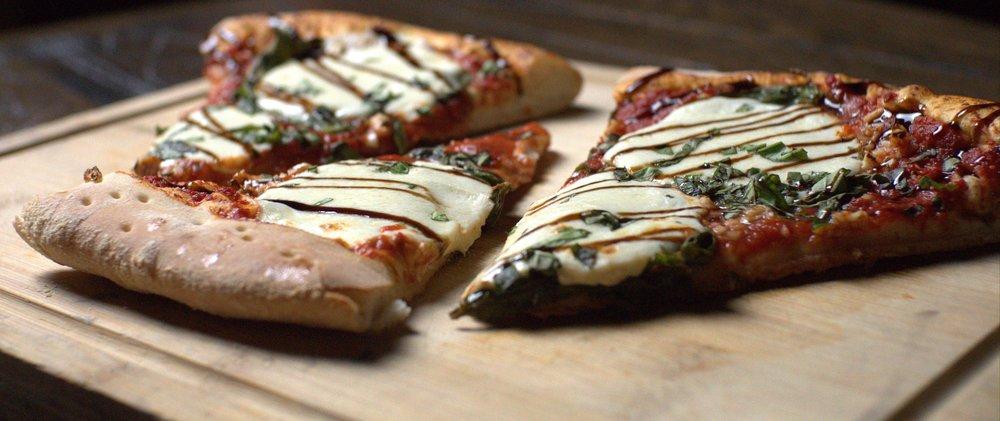 No Name Pizza: 7615 NW Cache Rd, Lawton, OK