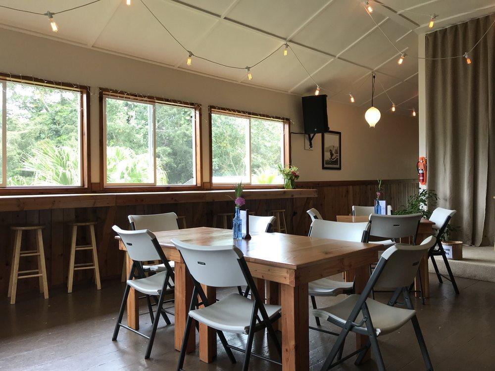 Papaaloa Country Store & Cafe: 35-2032 Old Mamalahoa Hwy, Papaaloa, HI