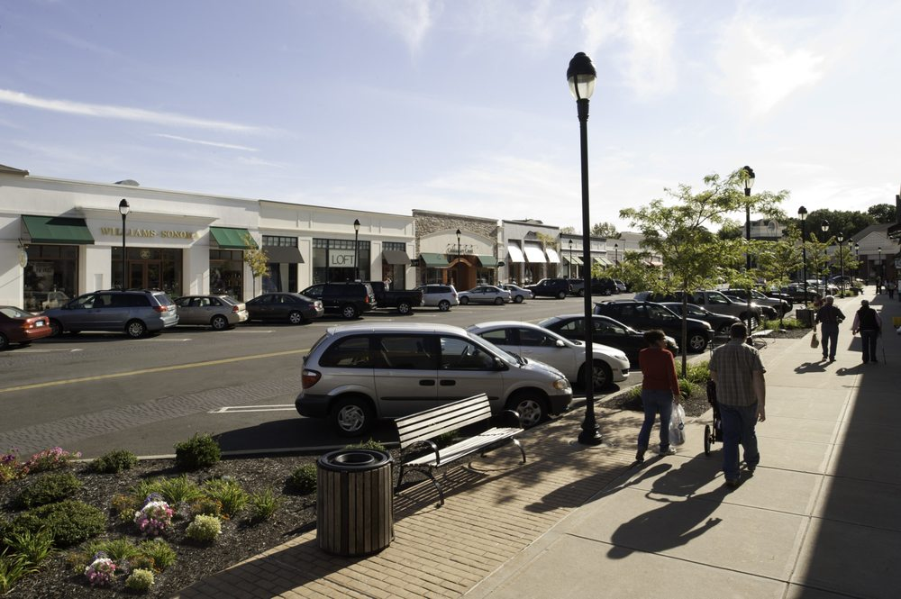 The Promenade Shops at Evergreen Walk: 501 Evergreen Way, South Windsor, CT