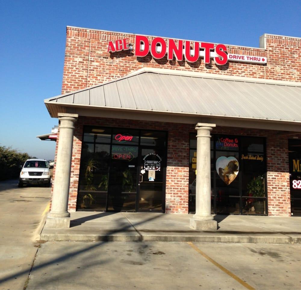 Ace Donut: 1613 Elton Rd, Jennings, LA