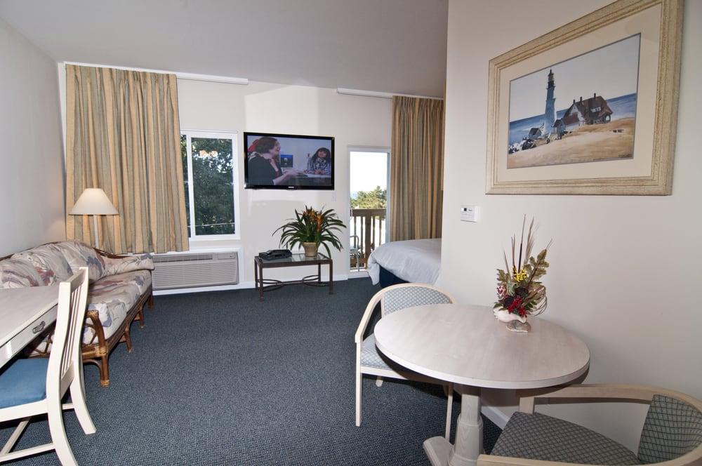 Beaufort Harbour Suites: 313 Cedar St, Beaufort, NC