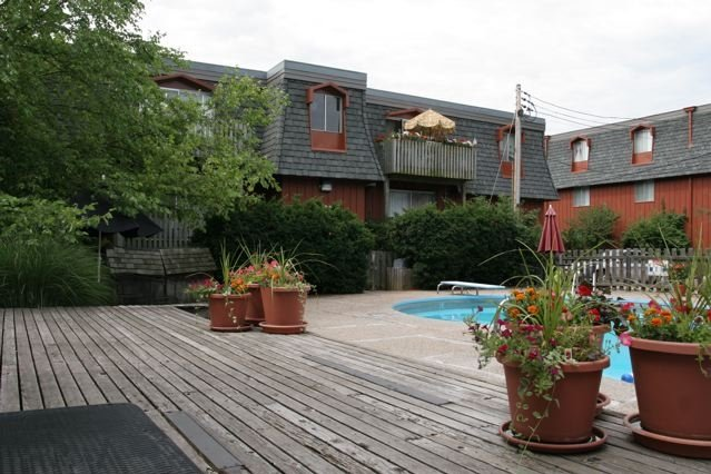 Montmartre Apartments & Properties: 104 Clinkscales Rd, Columbia, MO