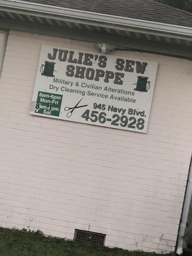 Julie Devine's Sew Shoppe: 945 N Navy Blvd, Pensacola, FL