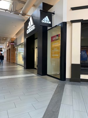 adidas Outlet 447 Great Mall Drive Suite 556, Great Mall Milpitas