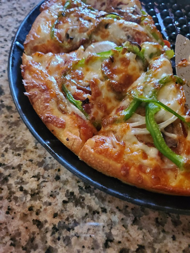 Social Spots from Bellingham House of Pizza