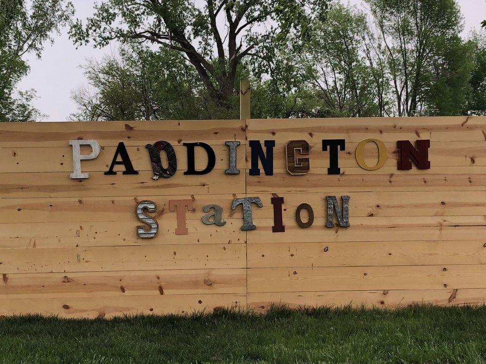Paddington Station Kennels: 206 Cunningham Rd, Bellevue, NE