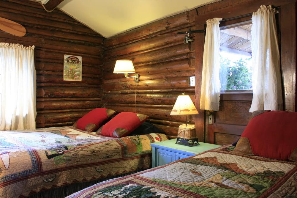 Log Cabin Motel: 49 E Magnolia St, Pinedale, WY