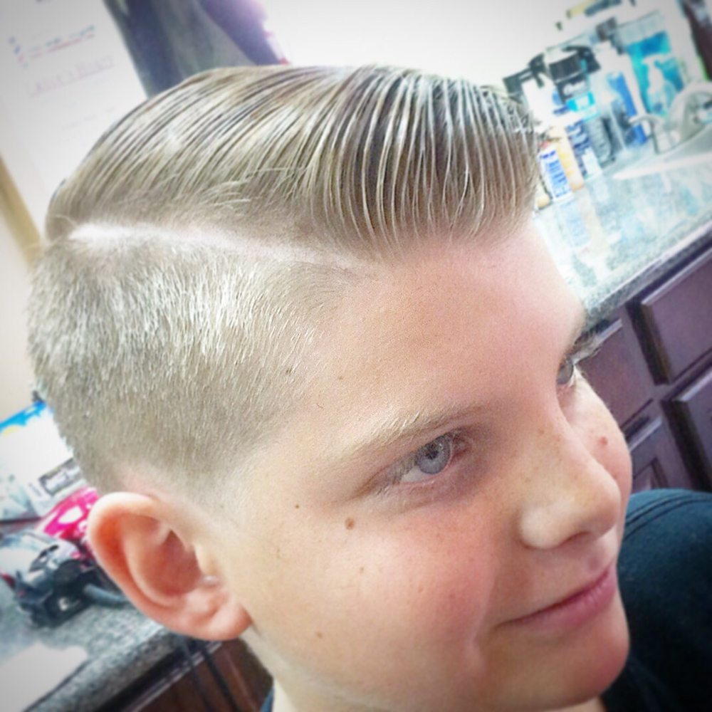 Lance's Majestic Barber Style: 330 E Choctaw Ave, McAlester, OK