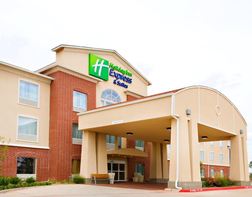 Holiday Inn Express & Suites Shamrock North: 101 E 13th St, Shamrock, TX