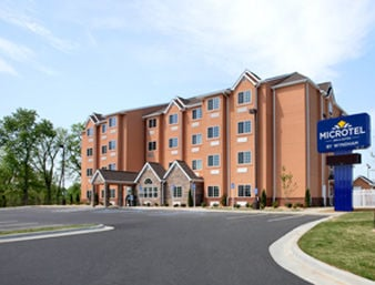 Microtel Inn & Suites by Wyndham Tuscumbia/Muscle Shoals: 1852 Hwy 72 East, Tuscumbia, AL