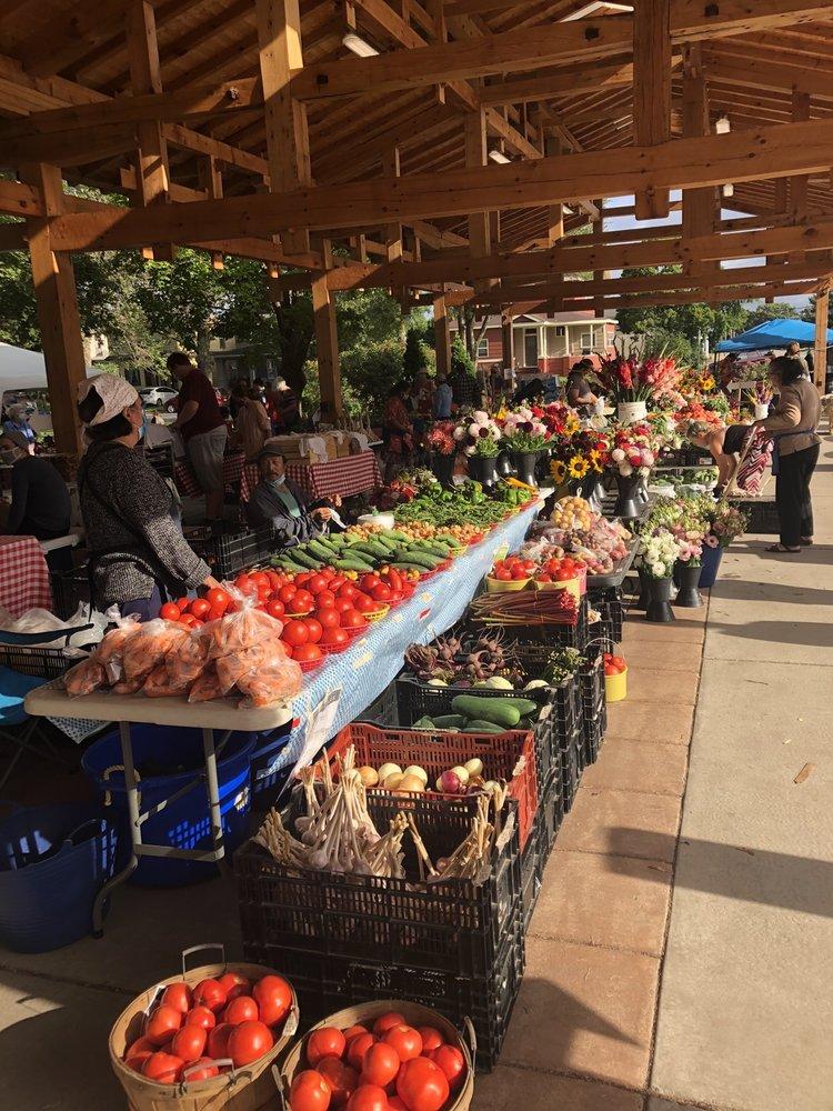 Menomonie Farmer's Market: 800 Wilson Ave, Menomonie, WI