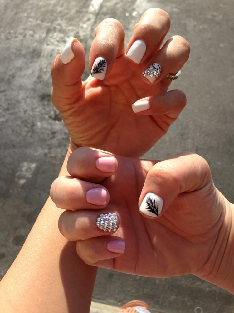 Short Nail Design Gel With Rhinestones Yelp
