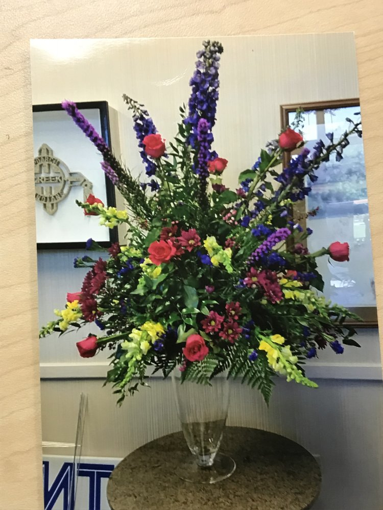 Blooming Fabulous Flower Shop: 610 D'Olive St, Bay Minette, AL