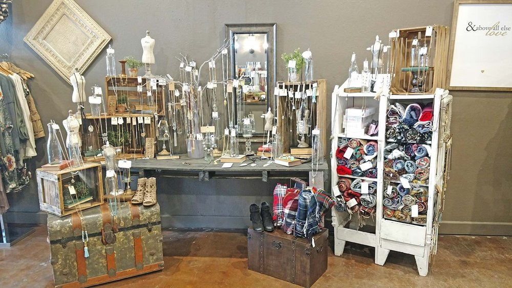 Chelsea's Boutique: 220 S Phillips Ave, Sioux Falls, SD