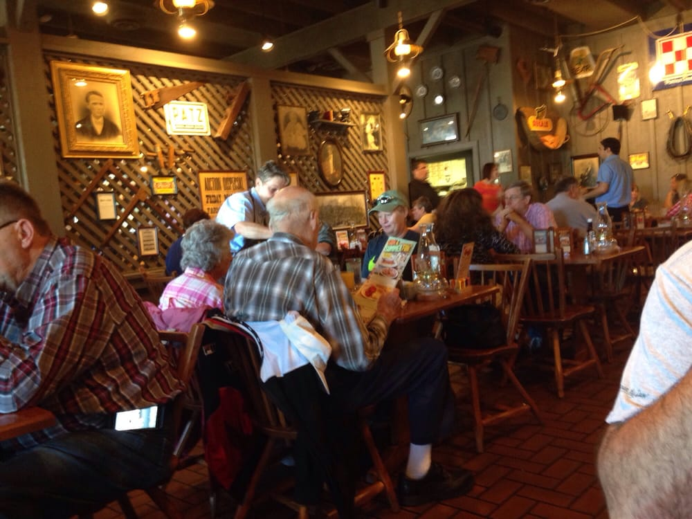 Cracker barrel old country store 27 foto e 27 recensioni for Case di cracker di florida
