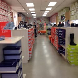 easy spirit stores