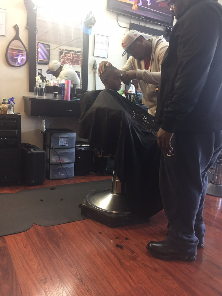 Changes barbershop beauty salon 47 photos barbers - Hair salons tacoma wa ...