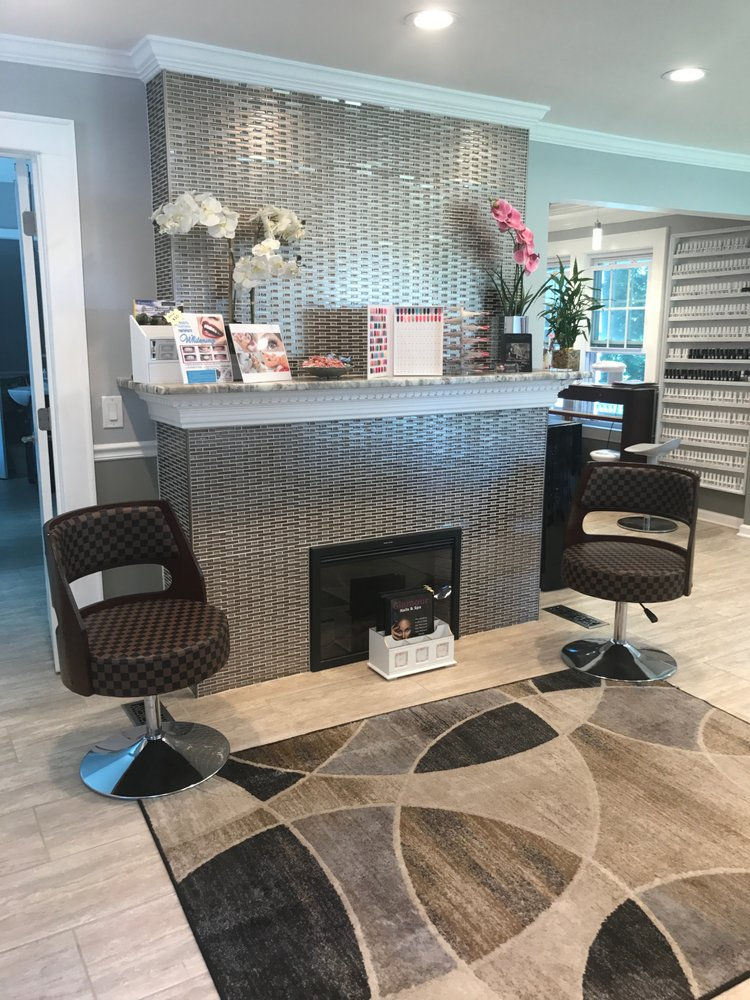 Glamour Nails & Spa: 100 Kittell Rd, Fayetteville, NY