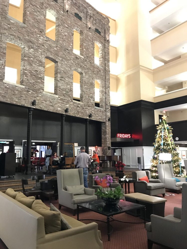doubletree by hilton memphis downtown 109 photos 149. Black Bedroom Furniture Sets. Home Design Ideas