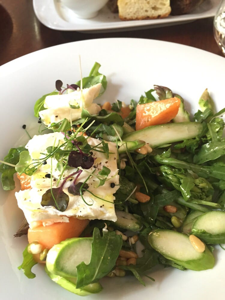 Seasonal asparagus salad super yelp - La finestra biz opinioni ...