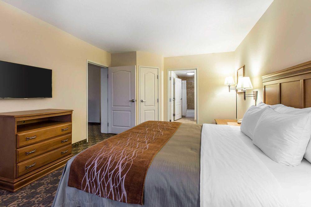 Comfort Inn & Suites: 320 South Virginia Ave, Tifton, GA