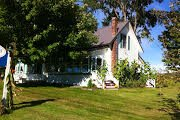 Rendezvous Bed and Breakfast: 2507 VT Rte 100, Lowell, VT