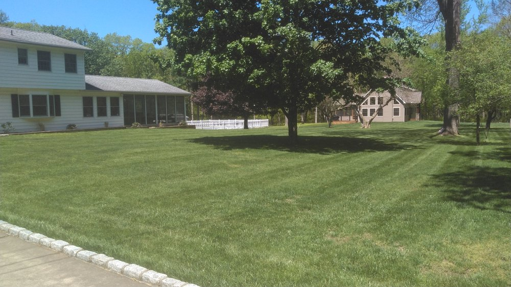 Apple Creek Landscaping: White Mills, PA